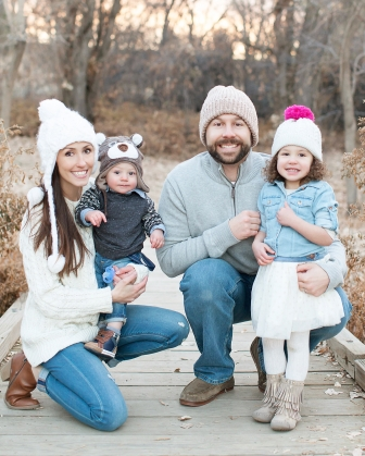 highlands ranch family photographer, denver christmas photographer, christmas card photo, colorado photographer, mountain photographer, family photo, beanie photo, hats, winter hats, colorado